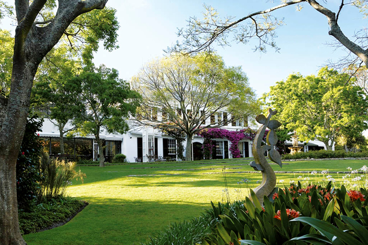 Pin High - Vineyard Hotel