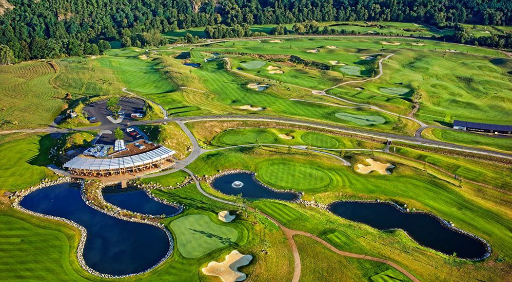 Pin High – Panorama Golf Resort