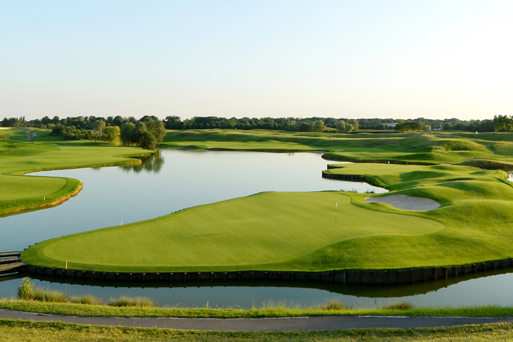 Pin High - Le Golf National