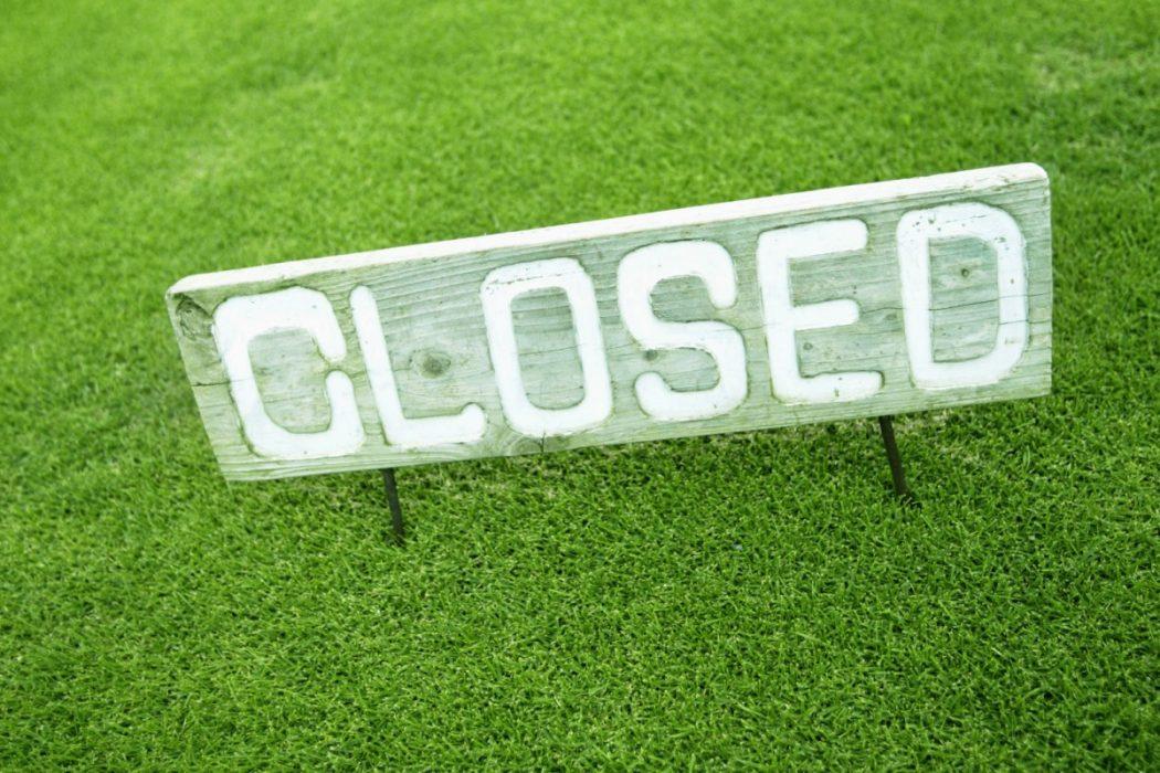 Pin High – golfbaan gesloten